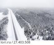 Купить «Трасса Кола в Карелии в зимнее время года», фото № 27403508, снято 10 января 2018 г. (c) Кекяляйнен Андрей / Фотобанк Лори