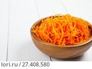 Купить «Grate carrots in a bowl», фото № 27408580, снято 23 августа 2017 г. (c) Елена Блохина / Фотобанк Лори