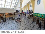 "Купить «The interior of the hypermarket ""Greenwich""», фото № 27411056, снято 25 апреля 2017 г. (c) Евгений Ткачёв / Фотобанк Лори"