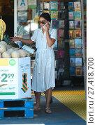 Купить «Vanessa Hudgens goes to Bed Bath and Beyond and Whole Foods Featuring: Vanessa Hudgens Where: Los Angeles, California, United States When: 15 Jul 2016 Credit: WENN.com», фото № 27418700, снято 15 июля 2016 г. (c) age Fotostock / Фотобанк Лори