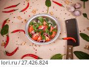 Купить «Sliced fresh tomatoes and onions», фото № 27426824, снято 16 января 2018 г. (c) Art Konovalov / Фотобанк Лори