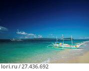Купить «Boats on tropical puka beach in boracay philippines», фото № 27436692, снято 19 ноября 2018 г. (c) age Fotostock / Фотобанк Лори