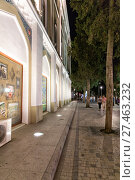 Купить «Nizami Street with bright night illumination. Shopping center of Baku», фото № 27463232, снято 22 сентября 2016 г. (c) Евгений Ткачёв / Фотобанк Лори