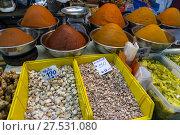 Купить «Spices, roots and herbs on the counter», фото № 27531080, снято 10 января 2017 г. (c) Михаил Коханчиков / Фотобанк Лори