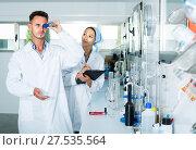 Купить «experts making tests in winery laboratory», фото № 27535564, снято 12 декабря 2019 г. (c) Яков Филимонов / Фотобанк Лори