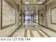 Купить «Длинный подземный переход отделанный гранитом», фото № 27536144, снято 22 сентября 2015 г. (c) Евгений Ткачёв / Фотобанк Лори