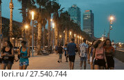 Купить «Famous Barceloneta beach on Mediterranean in Barcelona in evening dusk», видеоролик № 27540744, снято 27 августа 2017 г. (c) Яков Филимонов / Фотобанк Лори