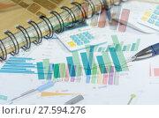 Купить «business concept graph», фото № 27594276, снято 21 сентября 2019 г. (c) PantherMedia / Фотобанк Лори