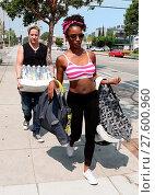 Купить «Shameless actress Shanola Hampton carries her newborn son out of Iron gym in Santa Monica, California after a workout with Celebrity trainer Torri Shack...», фото № 27600960, снято 25 июля 2016 г. (c) age Fotostock / Фотобанк Лори