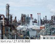 Купить «Petrochemical industrial plant at kawasaki», фото № 27618868, снято 20 сентября 2018 г. (c) PantherMedia / Фотобанк Лори