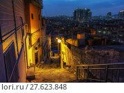 Купить «Haebangchon narrow alleyway», фото № 27623848, снято 17 февраля 2019 г. (c) PantherMedia / Фотобанк Лори