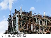 Купить «Pipelines of a oil and gas refinery industrial plant», фото № 27636424, снято 22 мая 2018 г. (c) PantherMedia / Фотобанк Лори