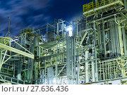 Купить «Oil and gas refinery industrial plant at night», фото № 27636436, снято 20 сентября 2018 г. (c) PantherMedia / Фотобанк Лори