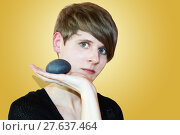Купить «Young woman with natural facial Sponge made of vegetable fiber, Konjac», фото № 27637464, снято 22 октября 2018 г. (c) PantherMedia / Фотобанк Лори