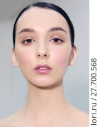 Купить «Portrait en face, natural makeup.», фото № 27700568, снято 19 июля 2018 г. (c) PantherMedia / Фотобанк Лори