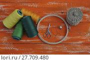 Купить «Threads in the coil and handicraft items», фото № 27709480, снято 18 января 2019 г. (c) PantherMedia / Фотобанк Лори