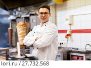 Купить «chef at kebab shop», фото № 27732568, снято 7 декабря 2017 г. (c) Syda Productions / Фотобанк Лори