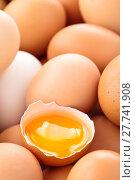 Купить «Fresh eggs background.», фото № 27741908, снято 14 декабря 2018 г. (c) PantherMedia / Фотобанк Лори