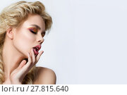 Portrait of young beautiful blonde woman with modern creative make-up. Стоковое фото, фотограф Людмила Дутко / Фотобанк Лори