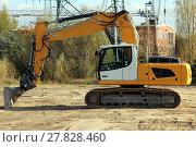 Купить «tracked excavator on construction site», фото № 27828460, снято 25 марта 2019 г. (c) PantherMedia / Фотобанк Лори