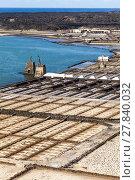 Купить «Salt refinery, Saline from Janubio», фото № 27840032, снято 20 июня 2018 г. (c) PantherMedia / Фотобанк Лори
