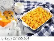 Купить «Mac and cheese casserole, top view», фото № 27855664, снято 6 февраля 2018 г. (c) Oksana Zh / Фотобанк Лори