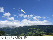Купить «autumn fall wind fly flying», фото № 27862804, снято 19 октября 2019 г. (c) PantherMedia / Фотобанк Лори