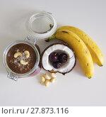 Купить «Cherry coconut banana overnight oats», фото № 27873116, снято 24 марта 2018 г. (c) PantherMedia / Фотобанк Лори