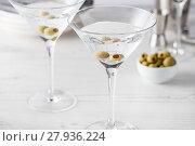 Купить «Fresh home made vodka martini cocktails», фото № 27936224, снято 2 апреля 2020 г. (c) PantherMedia / Фотобанк Лори