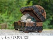 Купить «many minerals quartz and crystal stones in wooden box », фото № 27938128, снято 20 июля 2018 г. (c) PantherMedia / Фотобанк Лори