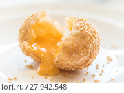 Купить «sesame balls stuff with custard lava», фото № 27942548, снято 25 апреля 2019 г. (c) PantherMedia / Фотобанк Лори