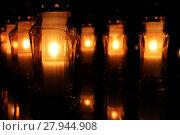 Купить «candles on the graves», фото № 27944908, снято 23 июля 2019 г. (c) PantherMedia / Фотобанк Лори