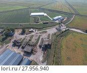 Купить «Hangar of galvanized metal sheets for storage of agricultural products», фото № 27956940, снято 18 января 2019 г. (c) PantherMedia / Фотобанк Лори