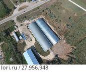 Купить «Hangar of galvanized metal sheets for storage of agricultural products», фото № 27956948, снято 18 января 2019 г. (c) PantherMedia / Фотобанк Лори