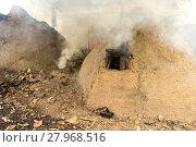 Купить «native charcoal incinerator», фото № 27968516, снято 26 апреля 2019 г. (c) PantherMedia / Фотобанк Лори