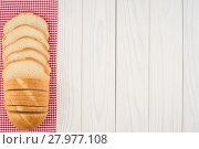 Купить «Loaf of bread on a wooden table.», фото № 27977108, снято 19 октября 2018 г. (c) PantherMedia / Фотобанк Лори