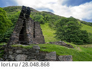 Dun Telve broch near Glenelg, showing Iron Age drystone hollow-walled structure, Ross and Cromarty, Scottish Highlands, Scotland, UK, June 2017. Стоковое фото, фотограф Philippe Clement / Nature Picture Library / Фотобанк Лори