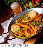 Купить «Grilled chicken wings with caramelized carrots», фото № 28079424, снято 8 декабря 2019 г. (c) easy Fotostock / Фотобанк Лори