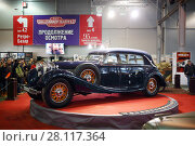 Купить «MOSCOW - MAR 07, 2016: Retro car on exhibition Oldtimer-Gallery in Sokolniki Exhibition Center. It is only one in Russia exhibition of vintage cars and technical antiques», фото № 28117364, снято 7 марта 2016 г. (c) Losevsky Pavel / Фотобанк Лори