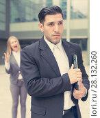 Купить «Employee is upset with the reprimand of woman boss», фото № 28132260, снято 20 августа 2017 г. (c) Яков Филимонов / Фотобанк Лори