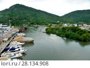 Купить «Vessels in the Camboriú River, 2017, Balneário Camboriú, Santa Catarina, Brazil.», фото № 28134908, снято 4 декабря 2017 г. (c) age Fotostock / Фотобанк Лори