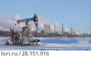 Купить «Operating pumps for crude oil production and petrochemical plant», видеоролик № 28151916, снято 23 мая 2018 г. (c) Константин Шишкин / Фотобанк Лори