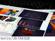 Купить «Калькулятор, графики, диаграммы и таблицы. Бизнес-натюрморт», эксклюзивное фото № 28154028, снято 11 марта 2018 г. (c) Юрий Морозов / Фотобанк Лори