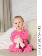 Купить «Baby eight months playing in the room», фото № 28154712, снято 6 февраля 2018 г. (c) Типляшина Евгения / Фотобанк Лори