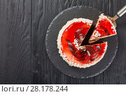 Купить «cake layered with cream cheese mousse», фото № 28178244, снято 3 марта 2018 г. (c) Oksana Zh / Фотобанк Лори