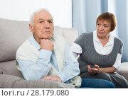 Купить «Aged couple arguing», фото № 28179080, снято 29 февраля 2020 г. (c) Яков Филимонов / Фотобанк Лори