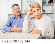 Купить «Mature couple find out relationship», фото № 28179144, снято 21 июля 2019 г. (c) Яков Филимонов / Фотобанк Лори