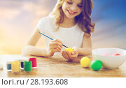 Купить «close up of girl coloring easter eggs», фото № 28193608, снято 1 марта 2014 г. (c) Syda Productions / Фотобанк Лори
