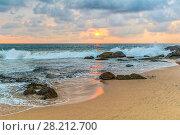 Купить «Закат на пляже Индийского океана. Амбалангода, Шри-Ланка», фото № 28212700, снято 10 февраля 2018 г. (c) Владимир Сергеев / Фотобанк Лори