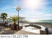 Купить «Не очень людно small cafe on the beach», фото № 28221748, снято 20 января 2018 г. (c) Baturina Yuliya / Фотобанк Лори